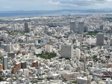 那覇の市街地(資料写真)