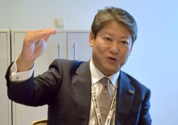 6日、ベルリンの国際家電見本市「IFA」の会場で、取材に応じるパナソニックの品田正弘常務執行役員(共同)