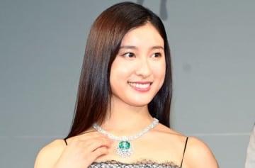 ジュエリー業界が選ぶ「第7回ウーマン オブ ザ イヤー」に選出され授賞式に出席した土屋太鳳さん