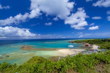 沖縄でサンオイルはNG?(画像はイメージ)