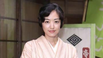 NHKの連続ドラマ「少年寅次郎」のスタジオ取材に登場した井上真央さん