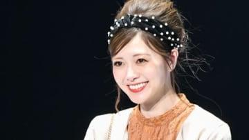 「マイナビ presents 第29回 東京ガールズコレクション 2019 AUTUMN/WINTER」に登場した白石麻衣さん
