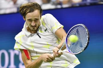 男子シングルスで準優勝したダニル・メドベージェフ=ニューヨーク(共同)