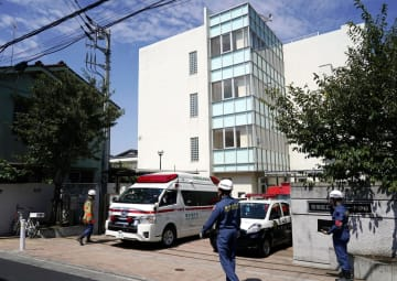 生徒らが体調不良を訴えた板橋区立志村第一中学校=10日午後0時35分、東京都板橋区