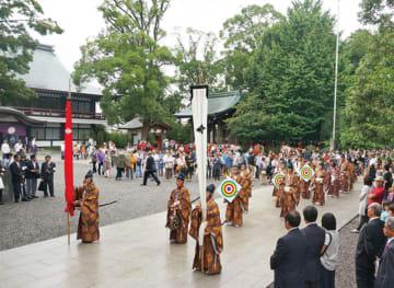 勇壮な流鏑馬神事神輿巡行も「寒川神社例祭」9月15日~20日