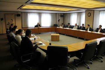 県民大会開催を決めた初会合=長崎市桜町、長崎商工会館