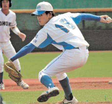 守護神として好投を続ける学院大の高木=8日、仙台市の東北福祉大球場
