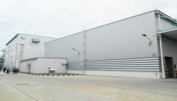 A resin compound plant by major Japanese fiber maker Teijin Ltd. opens in the central Thai province of Ayutthaya on Sept. 10, 2019, along with a technical center. (NNA/Kyodo)