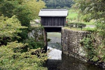 現存する最古の閘門式水門とされる倉安川吉井水門