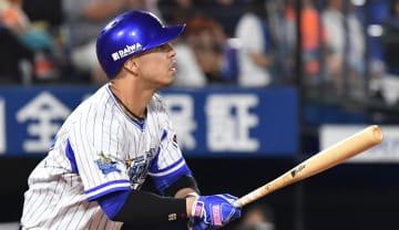 2回、ソトが40号本塁打を放つ=横浜