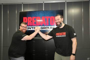 チャールズ・ブランガード氏とジャレッド・ゲリッツェン氏。開発チームのメンバーは映画「プレデター」の大ファンとのこと。