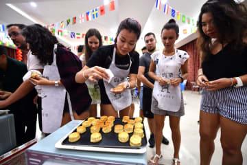 留学生が月餅作りに挑戦 中秋文化に触れる 海南大学