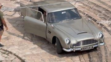 人気スパイ映画『007』シリーズ第25作となる『No Time to Die(死ぬ時間はない)』のカーチェイスシーンが、世界遺産の洞窟住居で有名なイタリア南部の街マテーラで撮影された。画像はビデオから - (2019年 ロイター)