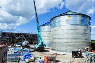 県南環境保全センターが建設を進めるバイオガス発電施設=十和田市