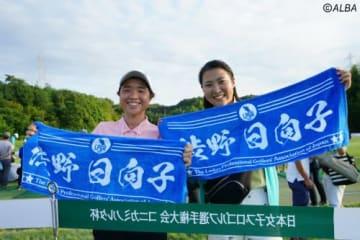 細田詩織さん(写真右)と湯淺芹さん(撮影:岩本芳弘)