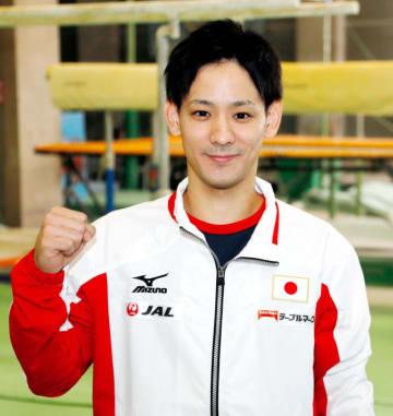 日本代表として臨む国際大会を前に「優勝を狙う」と意気込む小浜廣仁=9日午後、新田高校