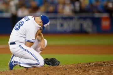 投球後に左腕を痛めたブルージェイズのティム・メイザ【写真:Getty Images】