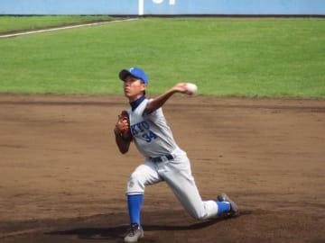 この日も好投を見せた投手木村(理Ⅱ・1年)(写真は軟式野球部提供)