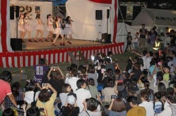 NGT48にとって8カ月ぶりの新潟県内イベント出演となった祭り=15日、十日町市
