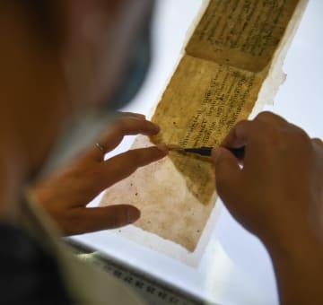 チベット自治区、貴重なチベット語古文献3千ページ以上を修復