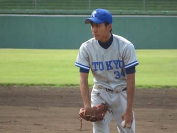 先発し孤軍奮闘の活躍を見せ続ける投手・木村(理Ⅱ・1年)(写真は軟式野球部提供)