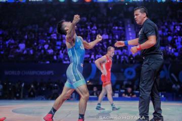昨年の世界王者を破り、2年ぶりに世界の頂点に立った文田健一郎