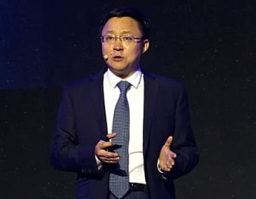 アイフライテックの劉慶峰董事長(2018年10月撮影)