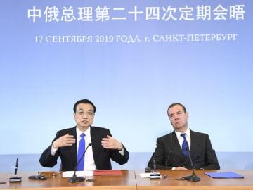 李克強総理とロシアのメドベージェフ首相が共同記者会見