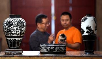 中国北方最大の民窯、磁州窯で守り抜かれる伝統の技 河北省