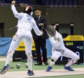 女子エペ決勝 大石栞菜(左)を破り初優勝した原田紗希=駒沢体育館
