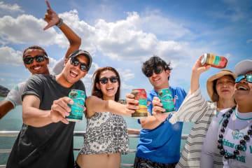 ハワイ!ボートの上で冷た~いビールで乾杯幸せ!「ドルフィン&ユー」だからできる楽しい&美味しいツアー!