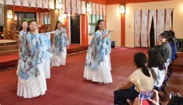 神社での奉納などがあった「カ・ラー・イ・カ・ヒキナ・フラフェス」
