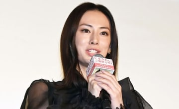 映画「ヒキタさん! ご懐妊ですよ」の完成披露上映会に登場した北川景子さん