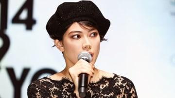 ショッピングイベント「VOGUE FASHION'S NIGHT OUT 2019」のセレモニーに出席した森星さん