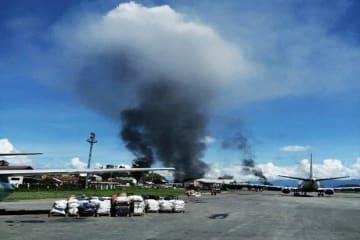 暴動発生で治安上の理由で閉鎖されたパプア州中部のワメナ空港(アンタラ通信)