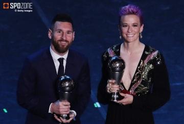 男子にはメッシ、女子にはラピノーが年間最優秀選手賞に輝く