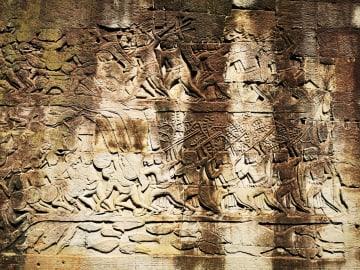 バイヨン寺院を訪ねて カンボジア・アンコール遺跡群