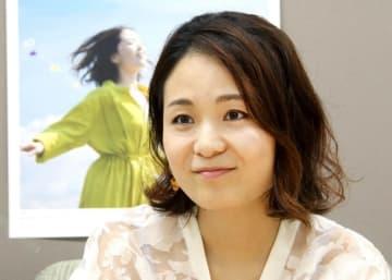 10周年を記念したコンサートへの思いを語るヒナタカコさん=9月4日、福井新聞社