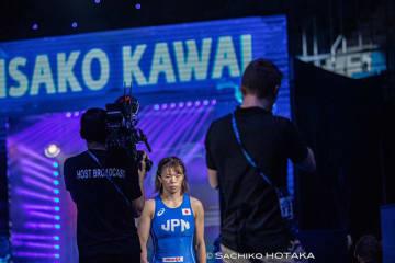 チームの主将として、覚悟を決めて決勝のマットに向かう川井梨紗子=撮影・保高幸子