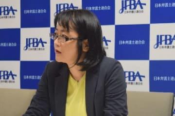 会見する髙田智美弁護士(9月25日、東京都内、弁護士ドットコム撮影)