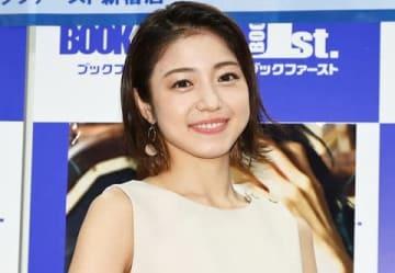 写真集「Hao!」の発売記念イベントを行った中村静香さん