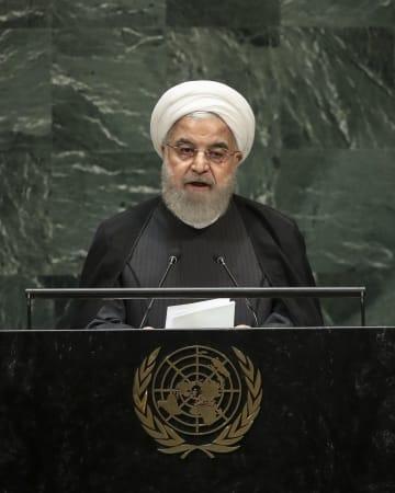 国連総会で演説するイランのロウハニ大統領=25日、米ニューヨーク(ゲッティ=共同)