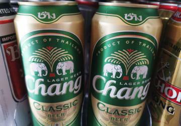 シンガポールの飲料大手F&Nは、4年ぶりにミャンマーのビール市場に参入する(NNA撮影)