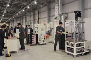 新型コイルの試験運転を開始した工場内部
