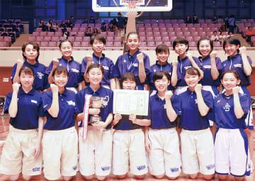 県予選を3連覇したメンバーたち =厚木市荻野運動公園体育館