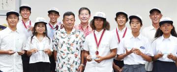 佐藤市長(後列中央)と支部のメンバー