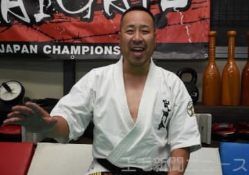 「武道を通じて心の回復力を身に付けてほしい」と話す加藤代表理事