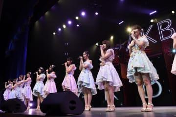 千葉県松戸市で行われたコンサートには「ツアー選抜」16人が参加した(c)AKS