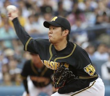 DeNA戦に先発し、5回4安打無失点で10勝目を挙げた阪神・西=横浜