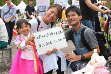 Sumireko Tomita/ BuzzFeed 韓国にも行くし、日本に住んでいる韓国人の友人もいます。だからこそ個人の気持ちを大切にしていきたいです。(30代・会社員)